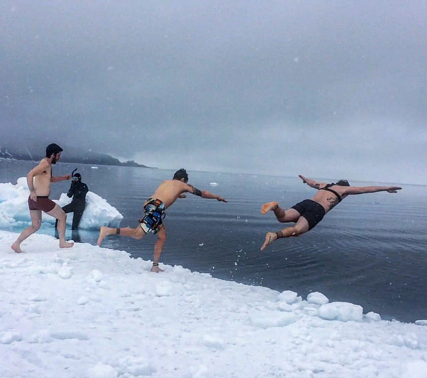 Polar Bear Plunge – Pond Inlet